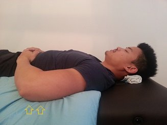 How to sleep to fix Rounded Shoulders