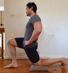 kneeling tensor fasciae latae stretch
