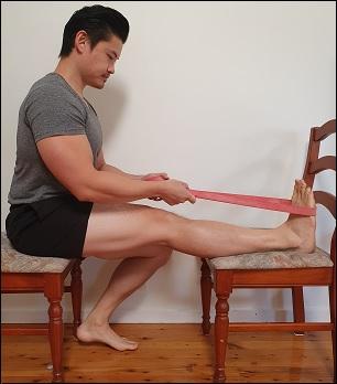 sciatic nerve stretch in sitting